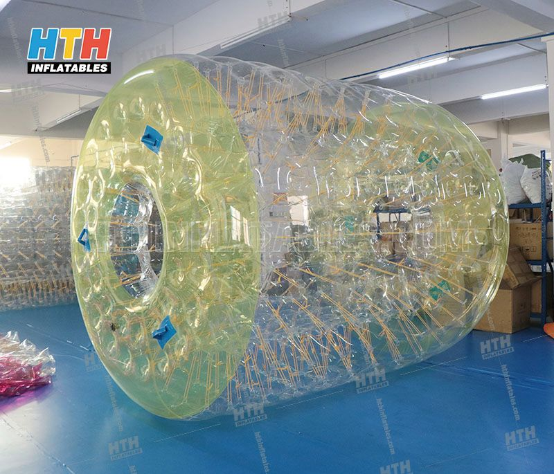 Inflatable water roller ball